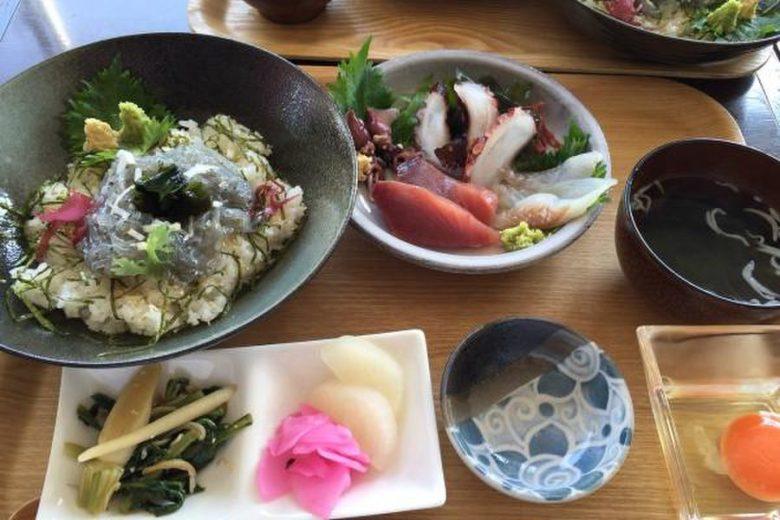 シラス丼定食
