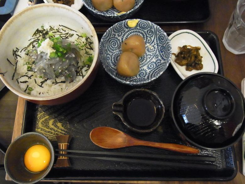 鎌倉甚平の定食