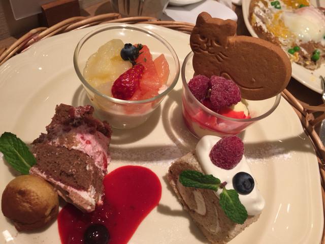 アフタヌーンティーのケーキ
