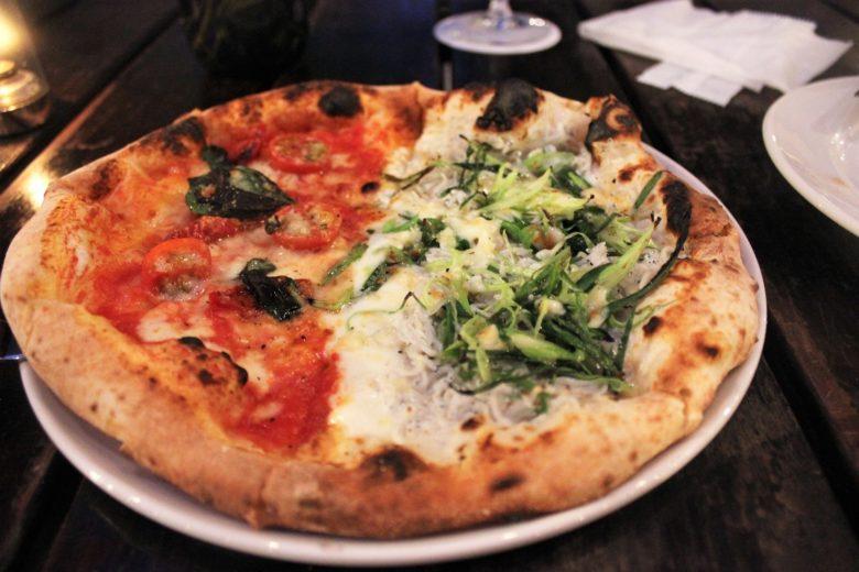 ガーデンハウスのピザ