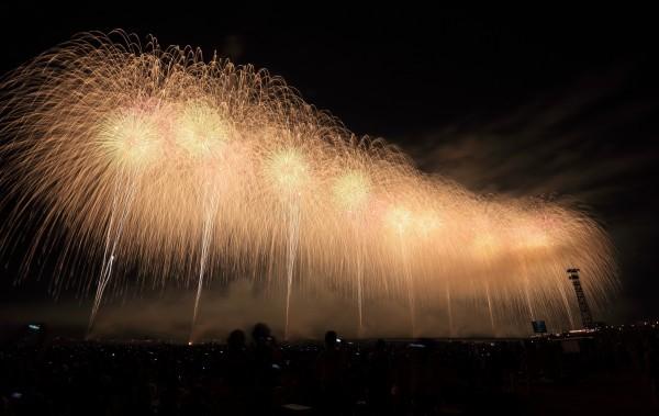 スターマイン花火の画像