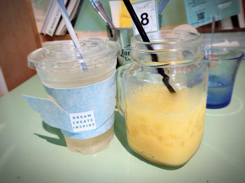 レモネードとオレンジジュース
