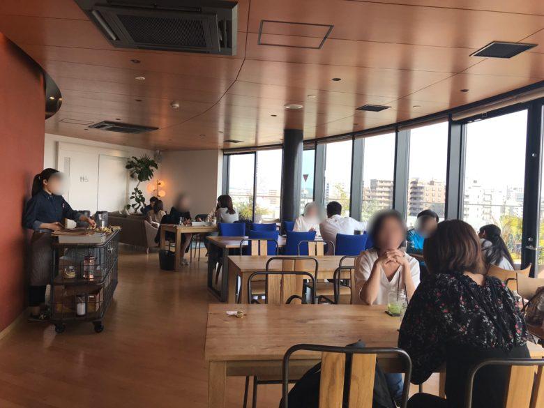 カフェ内部のインテリア