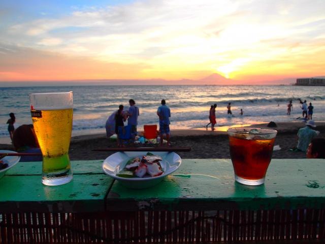 夕日とカフェ
