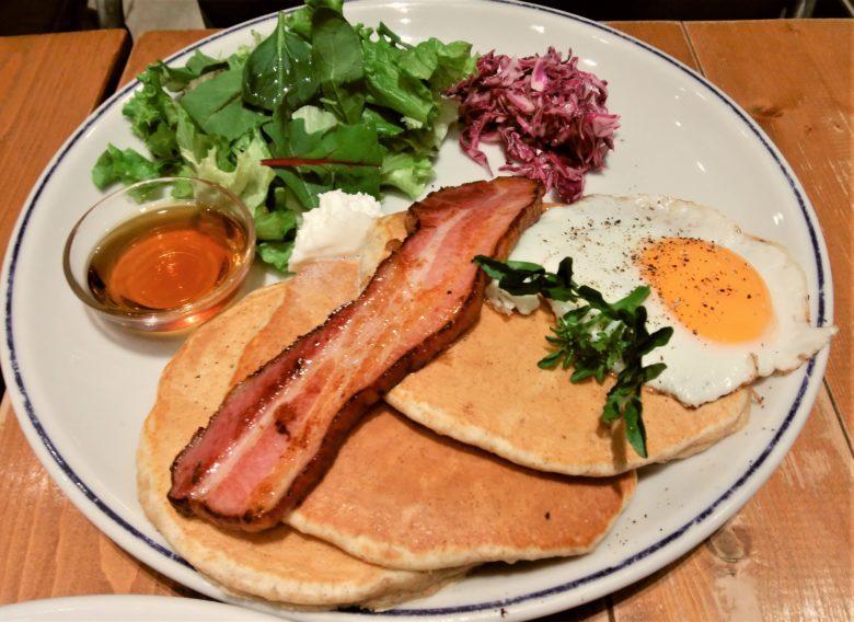 """j.s.pancake cafe テラスモール湘南店""の食事系満腹パンケーキ"