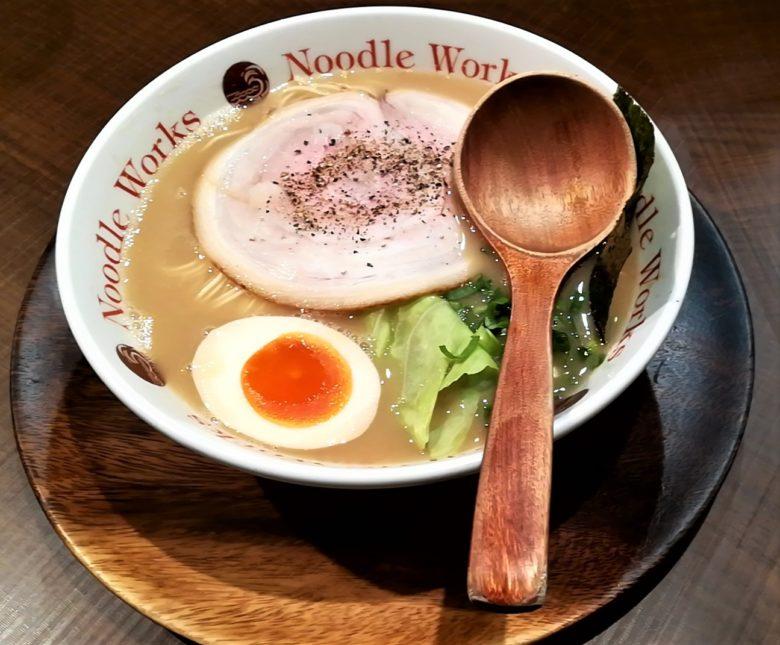 ヌードルワークス藤沢店(Noodle Works)の大分豚骨ラーメン!